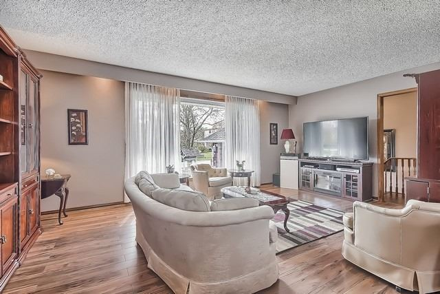 Detached at 28 Delta Cres, East Gwillimbury, Ontario. Image 18