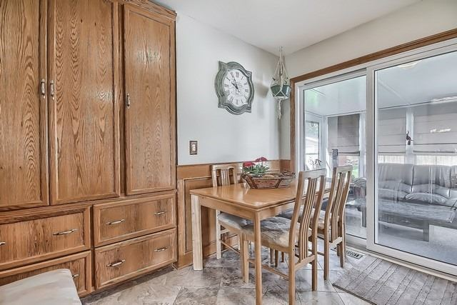 Detached at 28 Delta Cres, East Gwillimbury, Ontario. Image 4