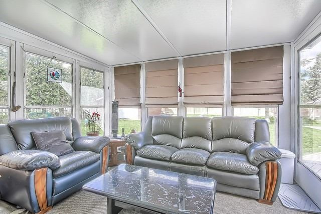 Detached at 28 Delta Cres, East Gwillimbury, Ontario. Image 5