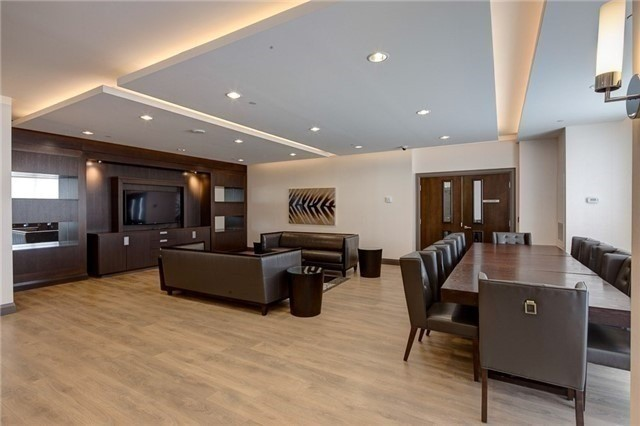 Condo Apartment at 7171 Yonge St, Unit 907, Markham, Ontario. Image 16