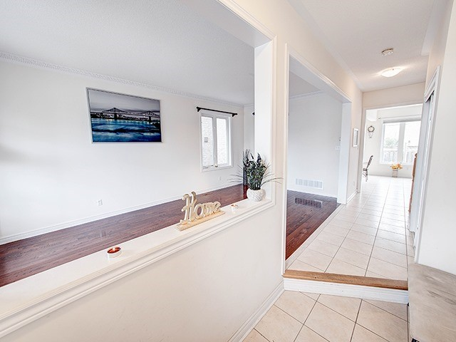 Detached at 160 Alfred Smith Way, Newmarket, Ontario. Image 12