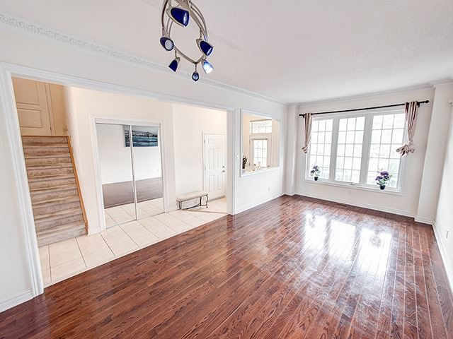 Detached at 160 Alfred Smith Way, Newmarket, Ontario. Image 15