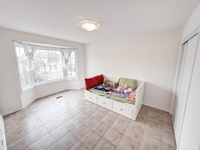 Detached at 160 Alfred Smith Way, Newmarket, Ontario. Image 4