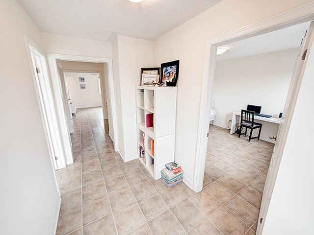 Detached at 160 Alfred Smith Way, Newmarket, Ontario. Image 5