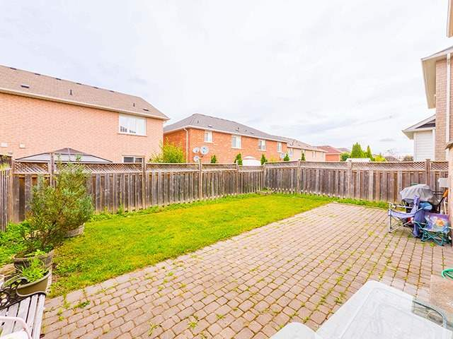 Detached at 160 Alfred Smith Way, Newmarket, Ontario. Image 8