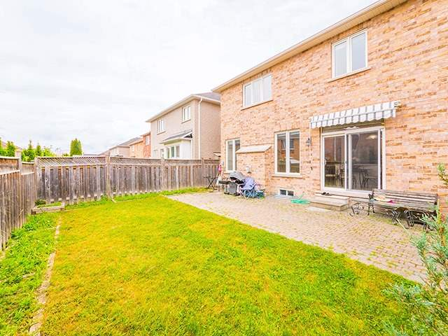 Detached at 160 Alfred Smith Way, Newmarket, Ontario. Image 9