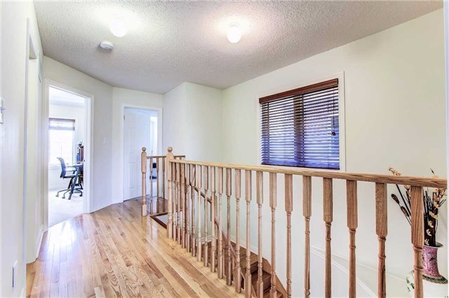 Townhouse at 85 Walter Sinclair Crt, Richmond Hill, Ontario. Image 6