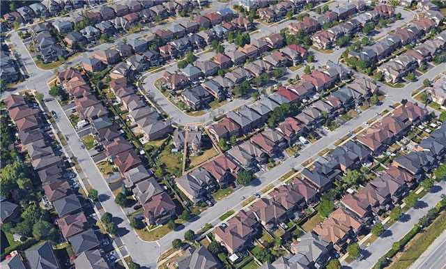 Link at 39 Waldron Cres, Richmond Hill, Ontario. Image 11