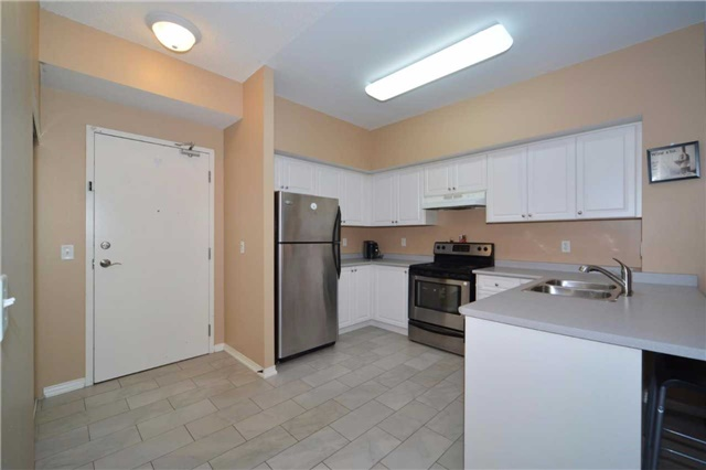Condo Apartment at 9973 Keele St, Unit 203, Vaughan, Ontario. Image 18