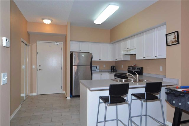 Condo Apartment at 9973 Keele St, Unit 203, Vaughan, Ontario. Image 19