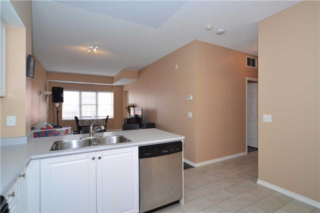 Condo Apartment at 9973 Keele St, Unit 203, Vaughan, Ontario. Image 3