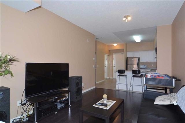 Condo Apartment at 9973 Keele St, Unit 203, Vaughan, Ontario. Image 6