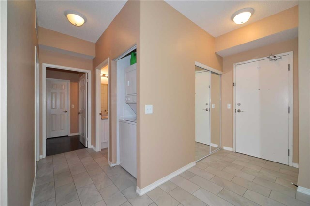 Condo Apartment at 9973 Keele St, Unit 203, Vaughan, Ontario. Image 7
