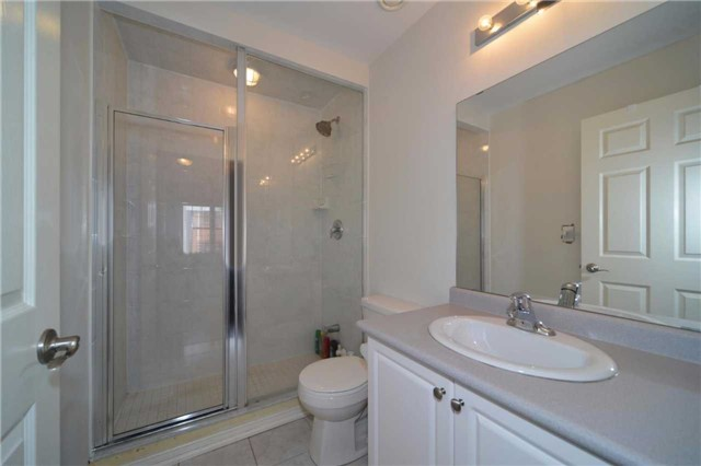Condo Apartment at 9973 Keele St, Unit 203, Vaughan, Ontario. Image 11