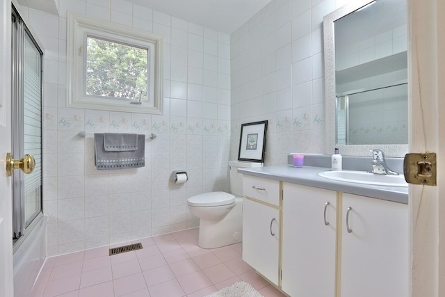 Detached at 30 San Marko Pl, Vaughan, Ontario. Image 4