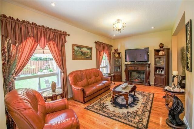 Detached at 468 Cranston Park Ave, Vaughan, Ontario. Image 16
