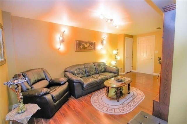 Detached at 468 Cranston Park Ave, Vaughan, Ontario. Image 6