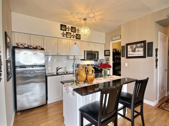 Condo Apartment at 9225 Jane St, Unit 1005, Vaughan, Ontario. Image 19