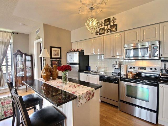 Condo Apartment at 9225 Jane St, Unit 1005, Vaughan, Ontario. Image 20