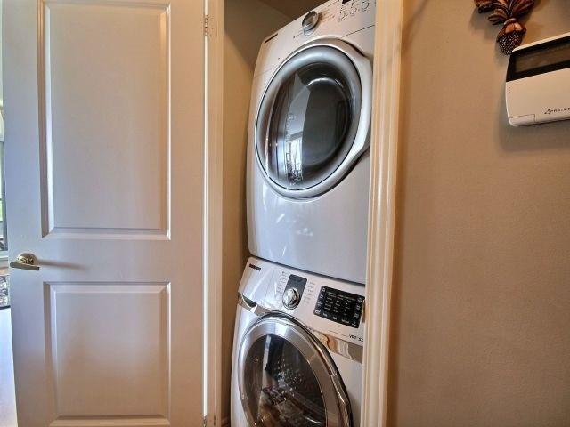 Condo Apartment at 9225 Jane St, Unit 1005, Vaughan, Ontario. Image 5