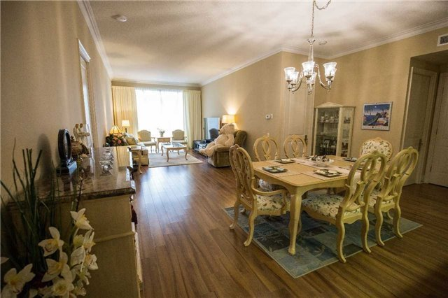 Condo Apartment at 10101 Yonge St, Unit 117, Richmond Hill, Ontario. Image 11