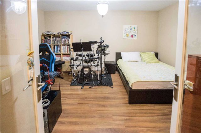 Condo Apartment at 10101 Yonge St, Unit 117, Richmond Hill, Ontario. Image 13