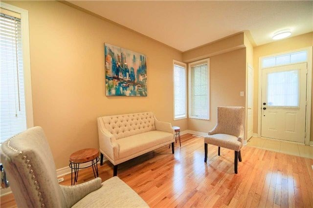 Semi-detached at 23 Hoppington Ave, Whitchurch-Stouffville, Ontario. Image 12