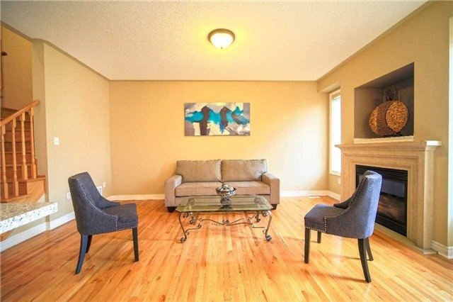 Semi-detached at 23 Hoppington Ave, Whitchurch-Stouffville, Ontario. Image 14