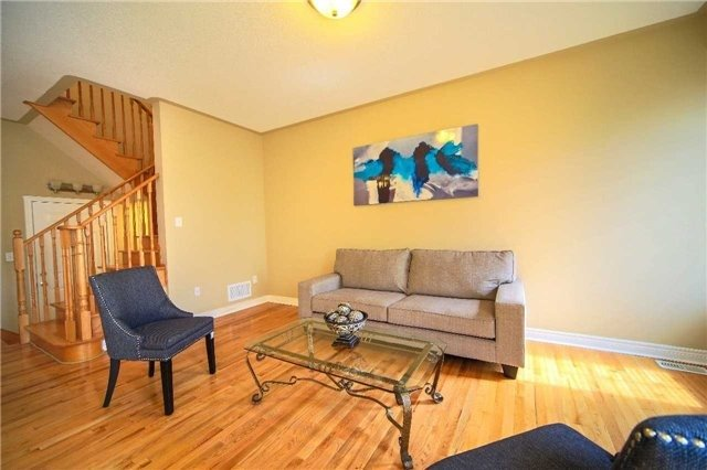 Semi-detached at 23 Hoppington Ave, Whitchurch-Stouffville, Ontario. Image 15