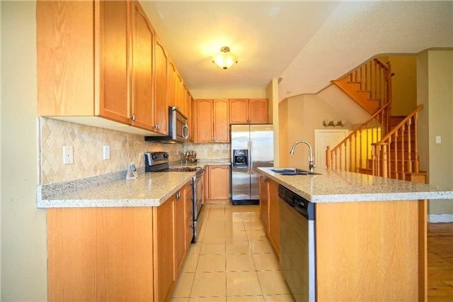 Semi-detached at 23 Hoppington Ave, Whitchurch-Stouffville, Ontario. Image 17