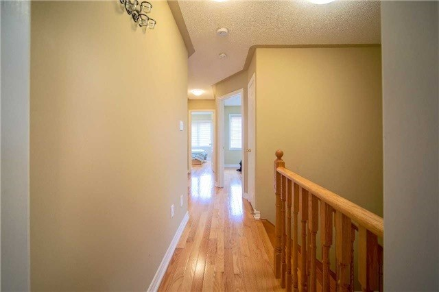 Semi-detached at 23 Hoppington Ave, Whitchurch-Stouffville, Ontario. Image 20