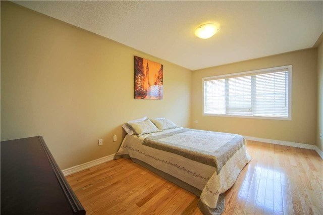 Semi-detached at 23 Hoppington Ave, Whitchurch-Stouffville, Ontario. Image 2