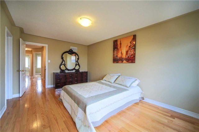 Semi-detached at 23 Hoppington Ave, Whitchurch-Stouffville, Ontario. Image 3