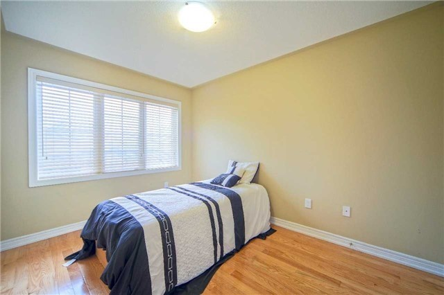 Semi-detached at 23 Hoppington Ave, Whitchurch-Stouffville, Ontario. Image 7