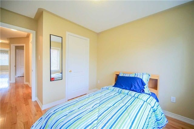 Semi-detached at 23 Hoppington Ave, Whitchurch-Stouffville, Ontario. Image 10