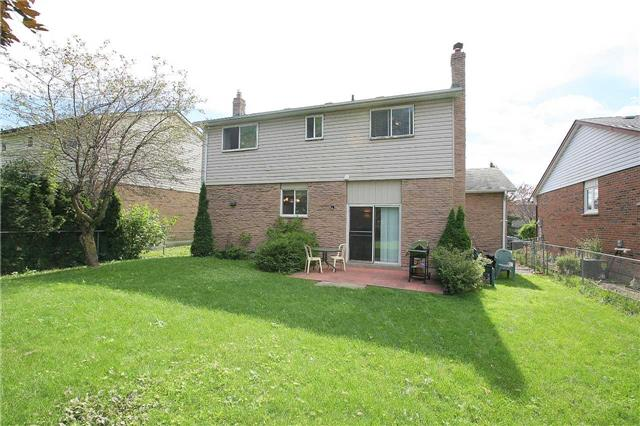 Detached at 41 Howlett Ave, Newmarket, Ontario. Image 13