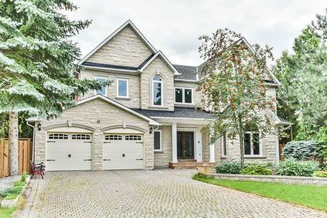 Detached at 17 Clarendon Dr, Richmond Hill, Ontario. Image 1
