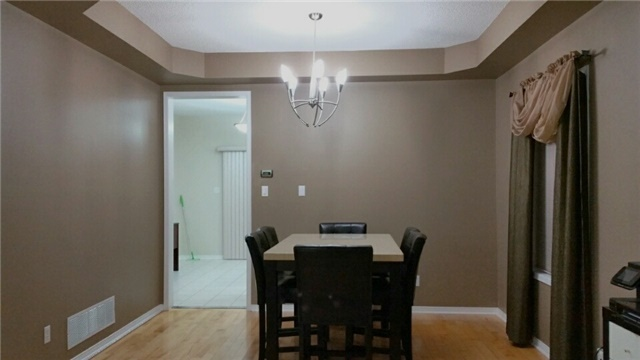 Detached at 126 Old Colony Rd, Richmond Hill, Ontario. Image 5