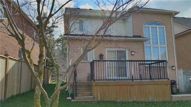 Detached at 126 Old Colony Rd, Richmond Hill, Ontario. Image 4