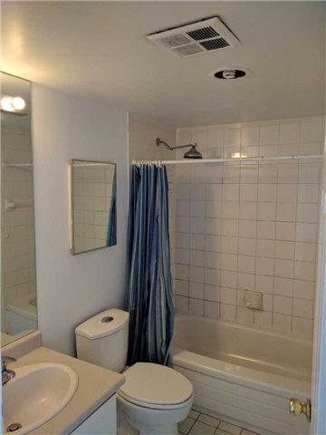 Condo Apartment at 8501 Bayview Ave, Unit 618, Richmond Hill, Ontario. Image 11
