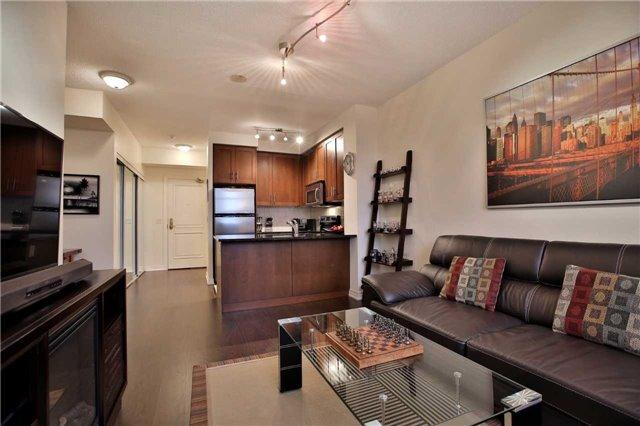 Condo Apartment at 9245 Jane St, Unit 402, Vaughan, Ontario. Image 1