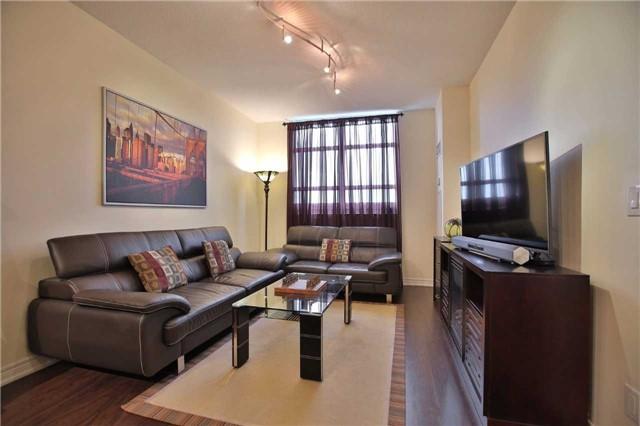 Condo Apartment at 9245 Jane St, Unit 402, Vaughan, Ontario. Image 14