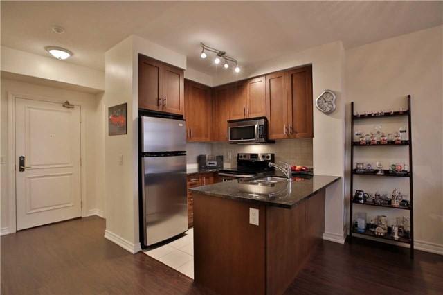 Condo Apartment at 9245 Jane St, Unit 402, Vaughan, Ontario. Image 16
