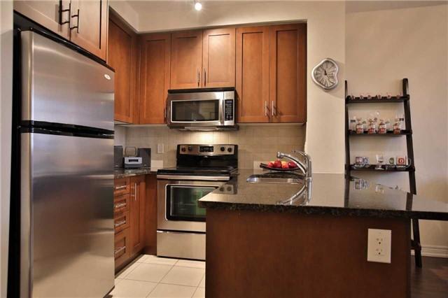 Condo Apartment at 9245 Jane St, Unit 402, Vaughan, Ontario. Image 17