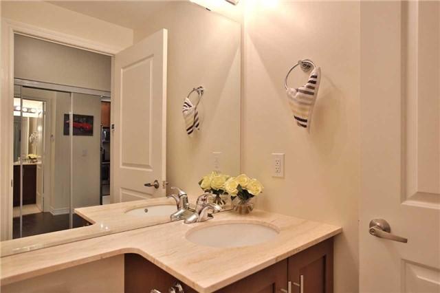 Condo Apartment at 9245 Jane St, Unit 402, Vaughan, Ontario. Image 19