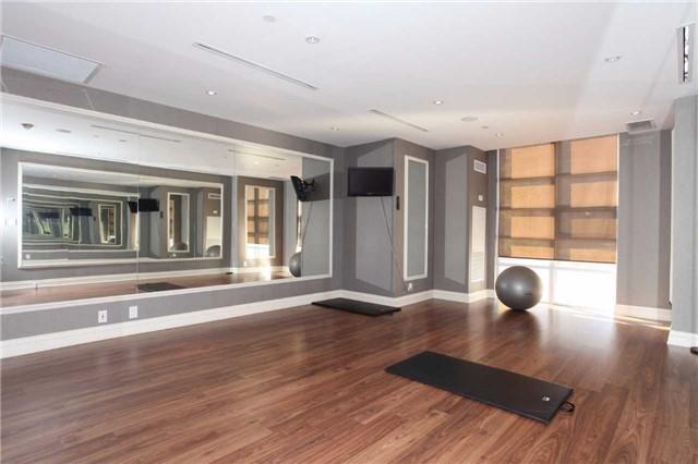 Condo Apartment at 9245 Jane St, Unit 402, Vaughan, Ontario. Image 8