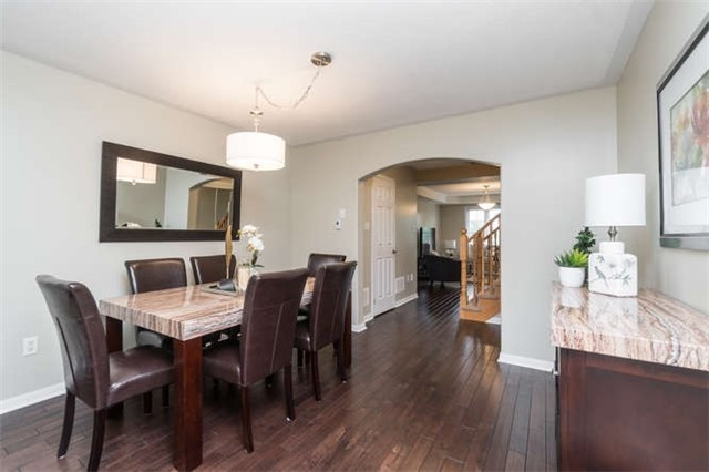 Townhouse at 259 Chilcott Cres, Newmarket, Ontario. Image 13