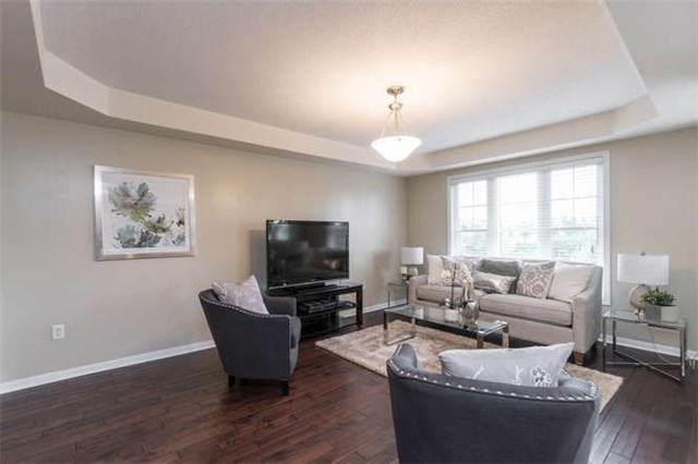 Townhouse at 259 Chilcott Cres, Newmarket, Ontario. Image 16