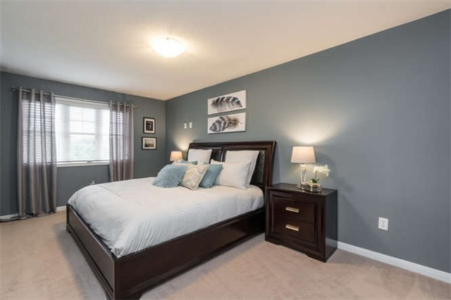 Townhouse at 259 Chilcott Cres, Newmarket, Ontario. Image 3