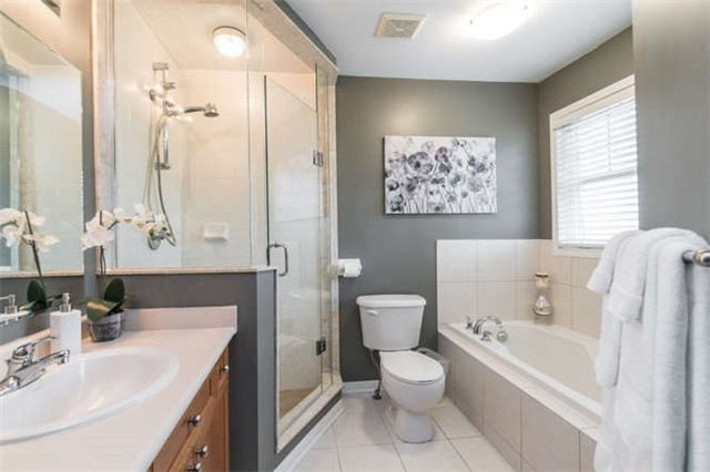 Townhouse at 259 Chilcott Cres, Newmarket, Ontario. Image 4